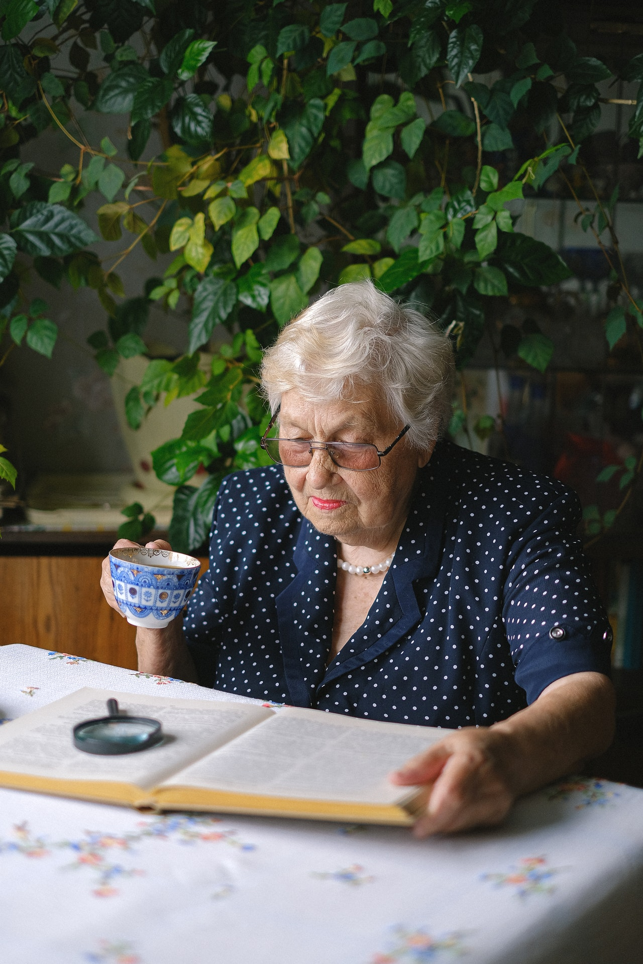 List of interesting and creative hobbies elderly can try