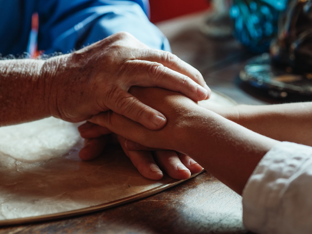 Tips for dealing with a parent diagnosed with Dementia